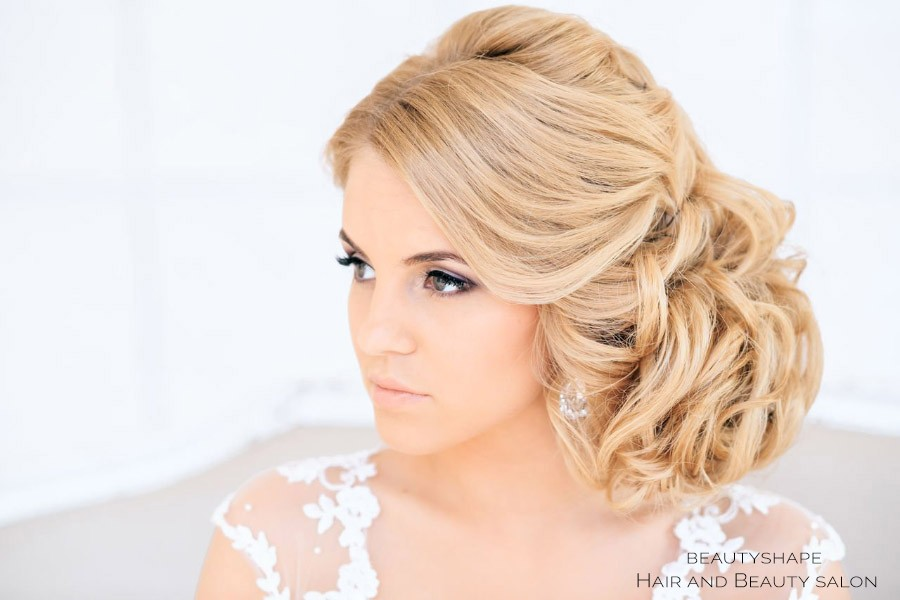 Bridal hair updos in Prague