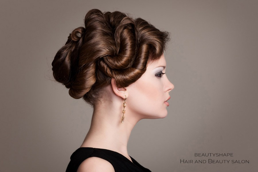 Get the elegant hairstyles for prom from our stylists