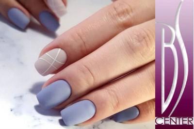 Malování na nehty foto