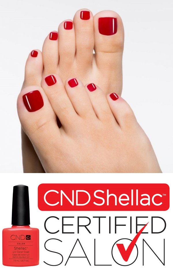 photo Professional pedicure  shellac
