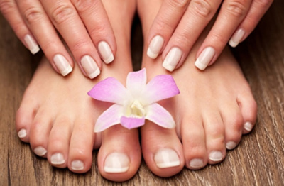 photo Thai foot massage in pedicure salon prague